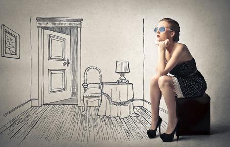 Photo pour beautiful woman with her imaginary room - image libre de droit