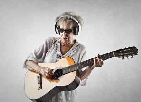 Photo pour Rocking grandmother - image libre de droit
