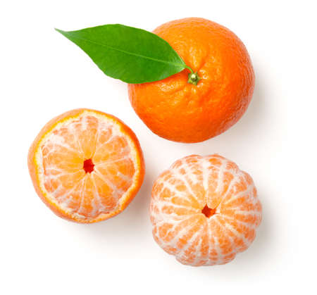 Photo pour Whole mandarine with leaf and peeled tangerine isolated on white background. Top view  - image libre de droit