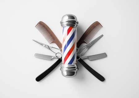 Photo pour Barbershop signboard with razor and scissor background design concept. - image libre de droit