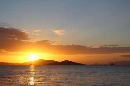 Photo pour Seaside town of Turgutreis and spectacular sunsets - image libre de droit