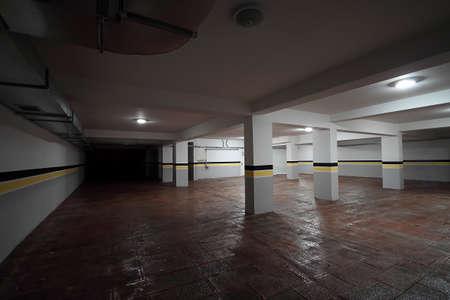 Photo pour Empty underground parking background. - image libre de droit