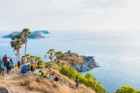 Photo pour Phuket, Thailand - March, 29, 2019 : Unidentified name tourists come to one of the beautiful scenic spots at sunset by the sea at Promthep Cape, the beautiful sea, Phuket, Thailand - image libre de droit