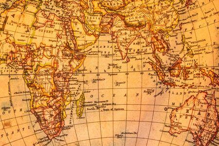 Photo pour Vintage illustration of ancient atlas map of world on old paper - image libre de droit
