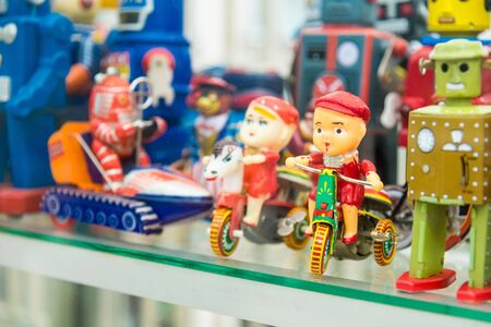 Photo pour Ayutthaya, Thailand - September, 29, 2019 : Group of vintage toys at MILLION TOY MUSEUM in Ayutthaya, Thailand. - image libre de droit
