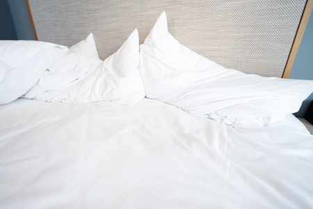 Photo pour Empty Bed after wake up in the morning. - image libre de droit