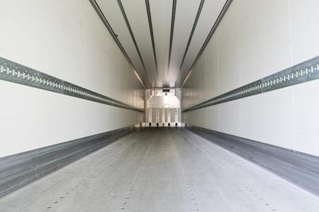 Foto de cargo area of a refrigerated semitrailer - Imagen libre de derechos