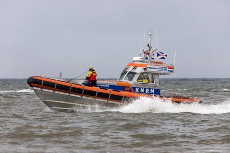 Photo pour KNRM lifeboat PAUL JOHANNES. KNRM is the voluntary organization in the Netherlands tasked with saving lives at sea. - image libre de droit