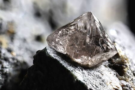 Photo pour natural diamond nestled in kimberlite - image libre de droit