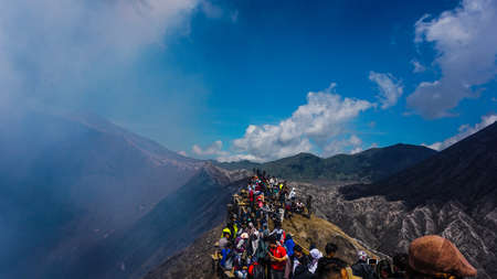 Crowd at the top of the bromo crater