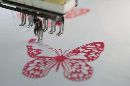 Photo pour Embroidery machine - image libre de droit