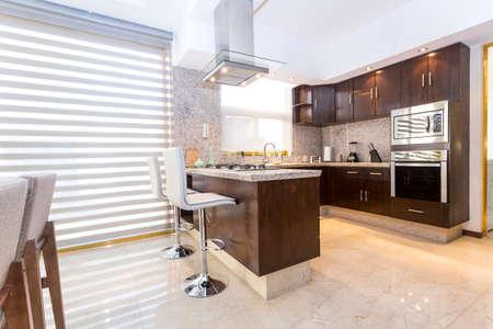 Foto de Modern style house with large minimalist spaces - Imagen libre de derechos