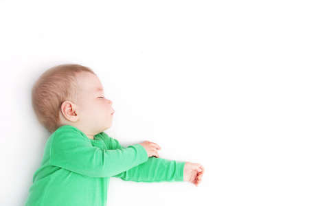 Photo pour baby boy sleeping isolated on white background - image libre de droit