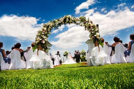 Foto de Idyllic wedding in garden and blue sky - Imagen libre de derechos
