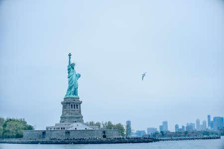 Photo pour statue of liberty - image libre de droit