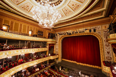 Photo pour Riga, Latvia, March 09 2014: View of the stage in Opera House before a show - image libre de droit