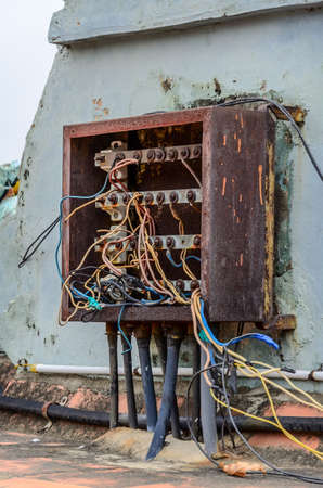 Indian chaotic electrical wiring on the roof at Brihadishwara Temple