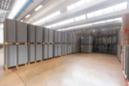Photo pour Blurred image showing the interior or a production facility, no people are visible. - image libre de droit