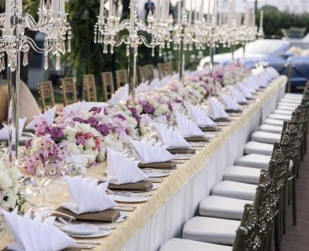 Foto de The elegant dinner table  - Imagen libre de derechos