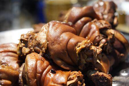Photo pour Thai Style Stewed Pork Leg in Gravy Sauce - image libre de droit