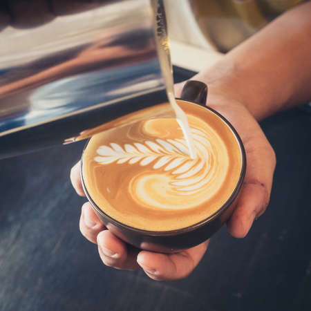 Photo pour how to make latte art coffee - image libre de droit