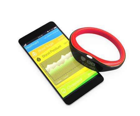 Photo pour Blood pressure information synchronize from smart wristband - image libre de droit