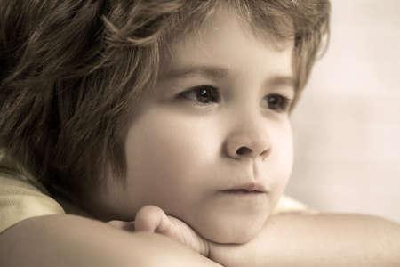 Photo pour Close-up portrait of the handsome little boy. - image libre de droit