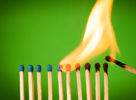 Photo pour concept with matches- chain reaction  - image libre de droit