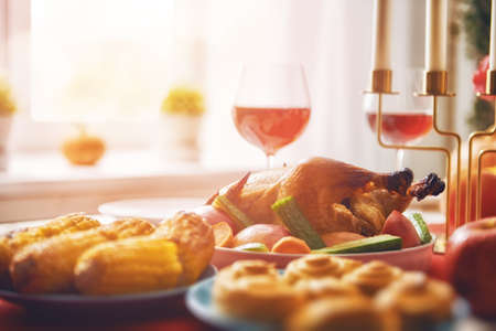 Photo pour Happy Thanksgiving Day! Autumn feast. Family traditional dinner. Food concept. Celebrate holidays. - image libre de droit