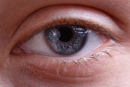 Photo pour Image of young womans eye without make-up - image libre de droit