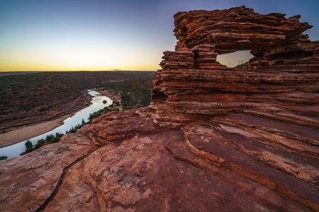 Foto per before sunrise at natures window in the desert of kalbarri national park, western australia - Immagine Royalty Free