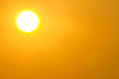 Photo pour Global warming from the sun and burning, heat wave hot sun, climate change, Heatwave hot sun, makes heat stroke - image libre de droit