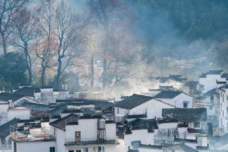 Foto de shicheng village in the late autumn sunshine, wuyuan county, the most beautiful countryside in China - Imagen libre de derechos