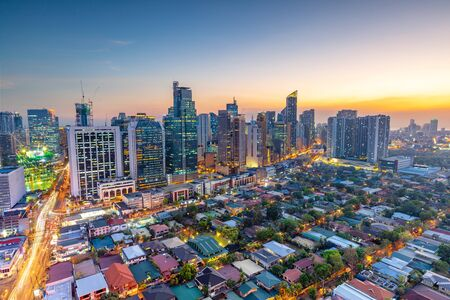 Photo pour Eleveted, night view of Makati, the business district of Metro Manila,  Philippines - image libre de droit