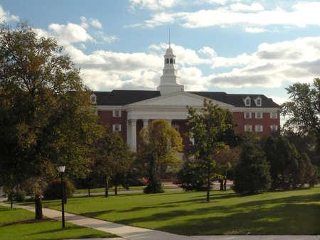 Photo pour College Buildings - image libre de droit