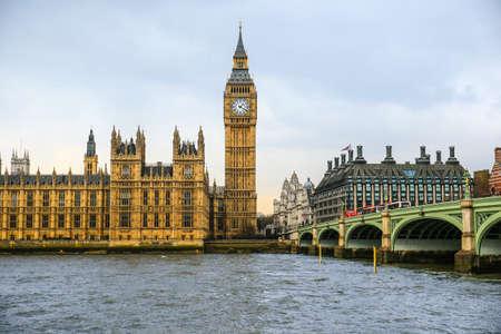 Foto für Big Ben and House of Parliament on Thames river - Lizenzfreies Bild