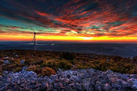 Photo pour Powerful Sunset near a Eolic Park - Portugal - image libre de droit
