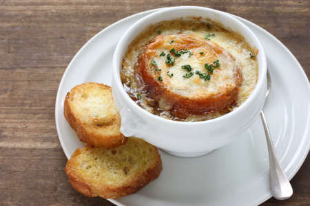 french onion gratin soup