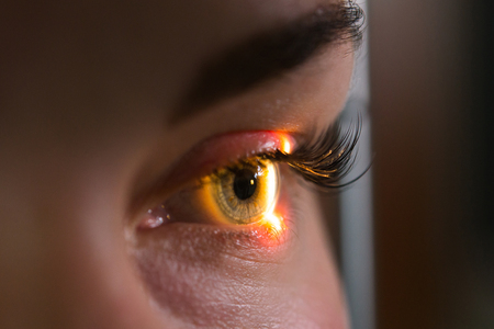 Foto de Research and scanning eye, close-up photos, retinal diagnostics in ophthalmology - Imagen libre de derechos