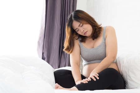 Pregnant women with cramp in leg