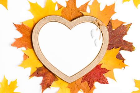 Foto de Autumn composition, maple leaves, heart shaped frame, top view, flat lay - Imagen libre de derechos