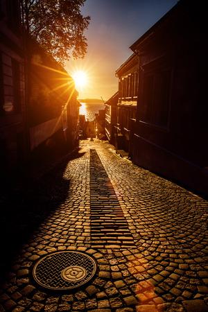 Photo pour Bergen Street at sunset Norway - image libre de droit