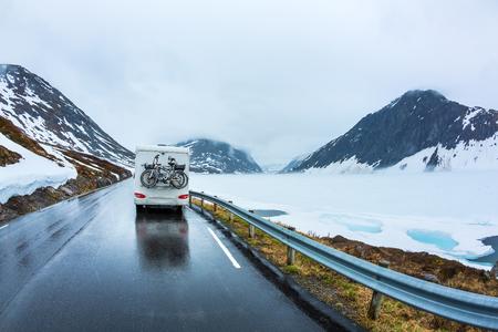 Photo pour Caravan car travels on the highway. Beautiful Nature Norway natural landscape. - image libre de droit