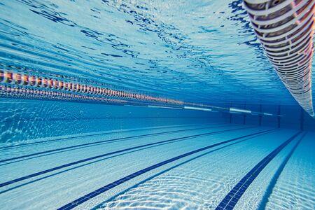 Photo pour Swimming pool underwater - image libre de droit