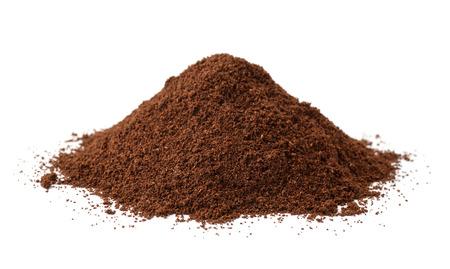 Photo pour Pile of fresh ground coffee isolated on white - image libre de droit