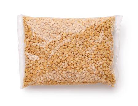 Foto für Plastic bag of dry yellow split peas isolated on white - Lizenzfreies Bild