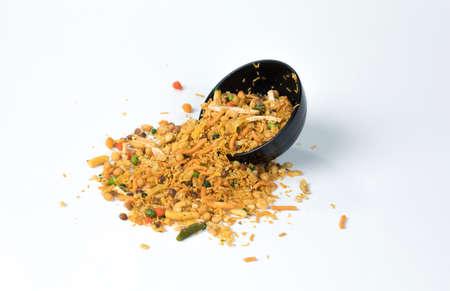 Photo pour Indian Mix Namkeen Food - image libre de droit