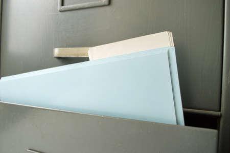Photo pour Detail of file folders in a filing cabinet - image libre de droit