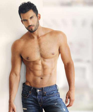 Photo pour Muscular handsome sexy guy - image libre de droit