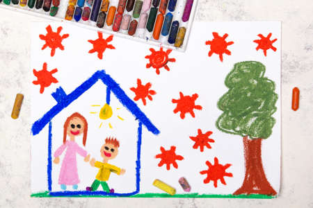 Photo pour Photo of colorful drawing: Coronavirus epidemic. Stay at home. Mother and son in a house. - image libre de droit